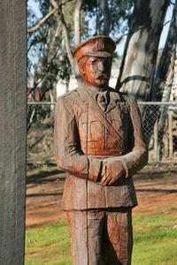 Barham Redgum Statue walk