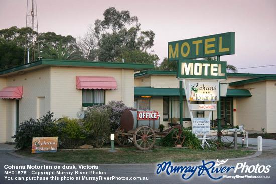 Cohuna Motor Inn On Dusk Victoria