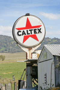 Old Caltex sign at Tintaldra, Victoria