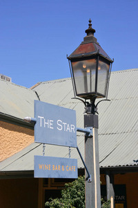 Echuca Star Hotel sign