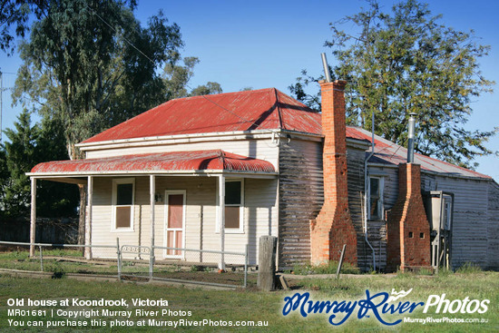 Old house at Koondrook, Victoria