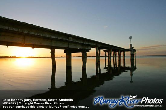 Barmera Australia  city photos gallery : Lake Bonney jetty, Barmera, South Australia