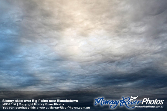 Stormy skies over Big Plains near Blanchetown