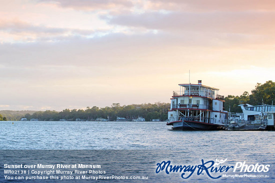 Sunset over Murray River at Mannum