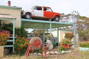 Old cars at Jabuk store, South Australia