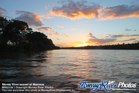 Murray River sunset at Mannum