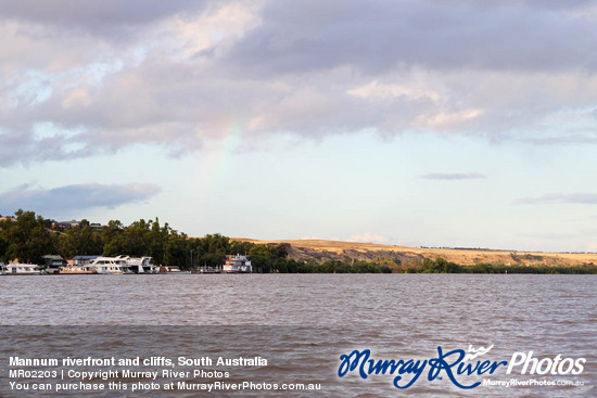 Mannum riverfront and cliffs, South Australia