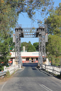 Tooleybuc Bridge, New South Wales
