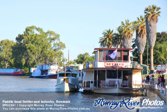 Paddle boat Settler and Industry, Renmark
