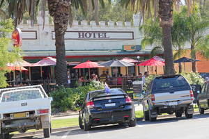 Tocumwal Hotel