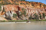 Kids kneeboarding at Headings Cliffs, Riverland