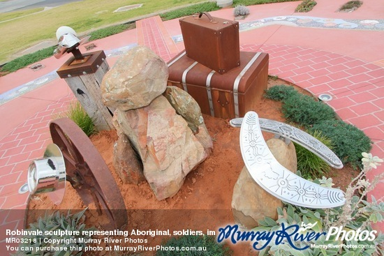 Robinvale sculpture representing Aboriginal, soldiers, immigrants and farmers