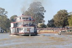 PS Marion crusing past Mildura crowd