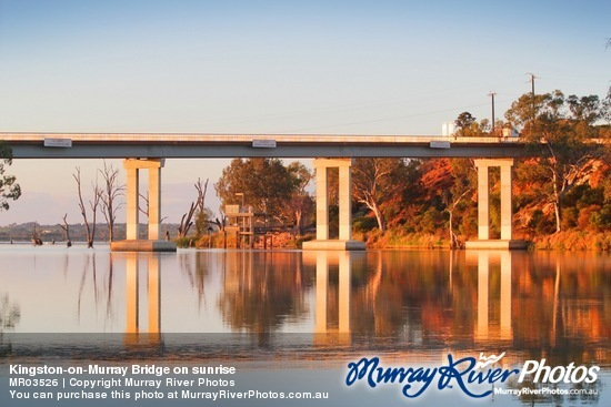 Kingston-on-Murray Bridge on sunrise