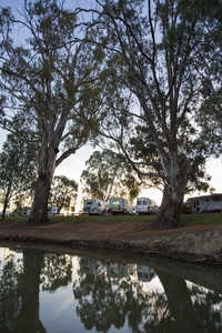 RVs relaxing by the Murray River at Euston, New South Wales