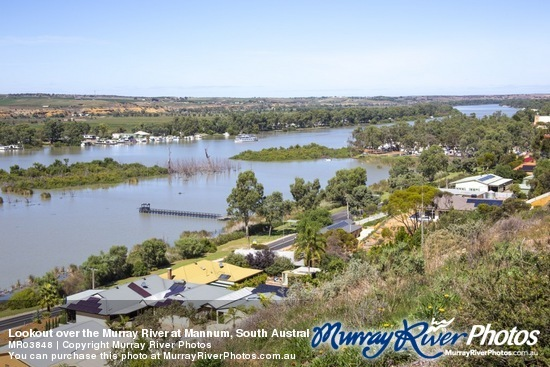 Lookout over the Murray River at Mannum, South Australia