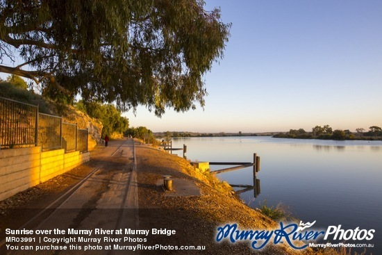 Sunrise over the Murray River at Murray Bridge