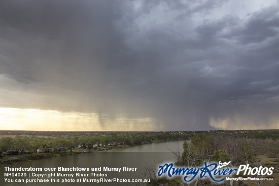 Thunderstorm over Blanchtown and Murray River