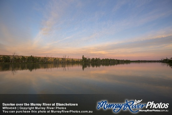 Sunrise over the Murray River at Blanchetown