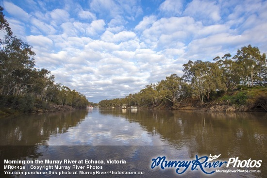 Morning on the Murray River at Echuca, Victoria