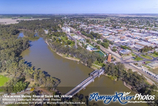 View across Murray River at Swan Hill, Victoria